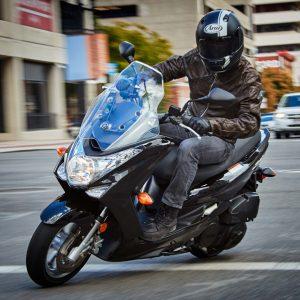 Motor di Dealer Yamaha Jakarta untuk Ojek Online